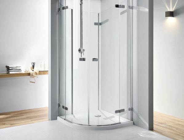 Z jakiego materiału kabiny prysznicowe wybrać?