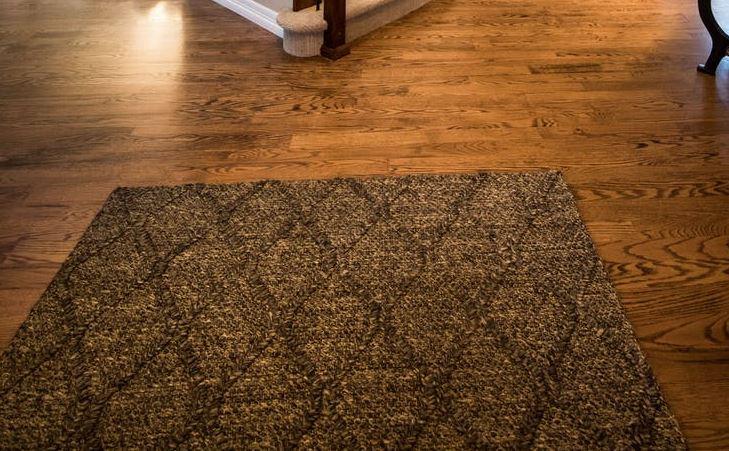 Jak wybrać dywan do salonu, sypialni i przedpokoju?